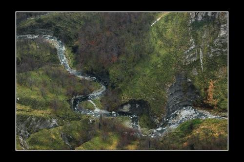 Río en el barranco (2. Bildumarik onena -ii-)